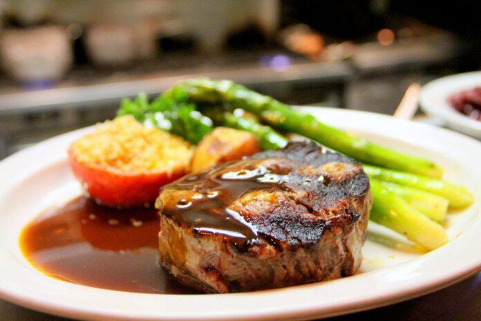 Jak zadbać o świeżość żywności w restauracji